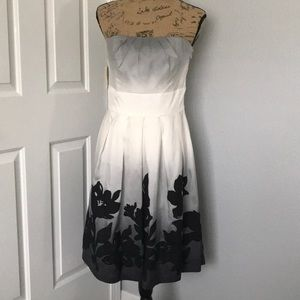 White/Black beautifully lined strapless dress